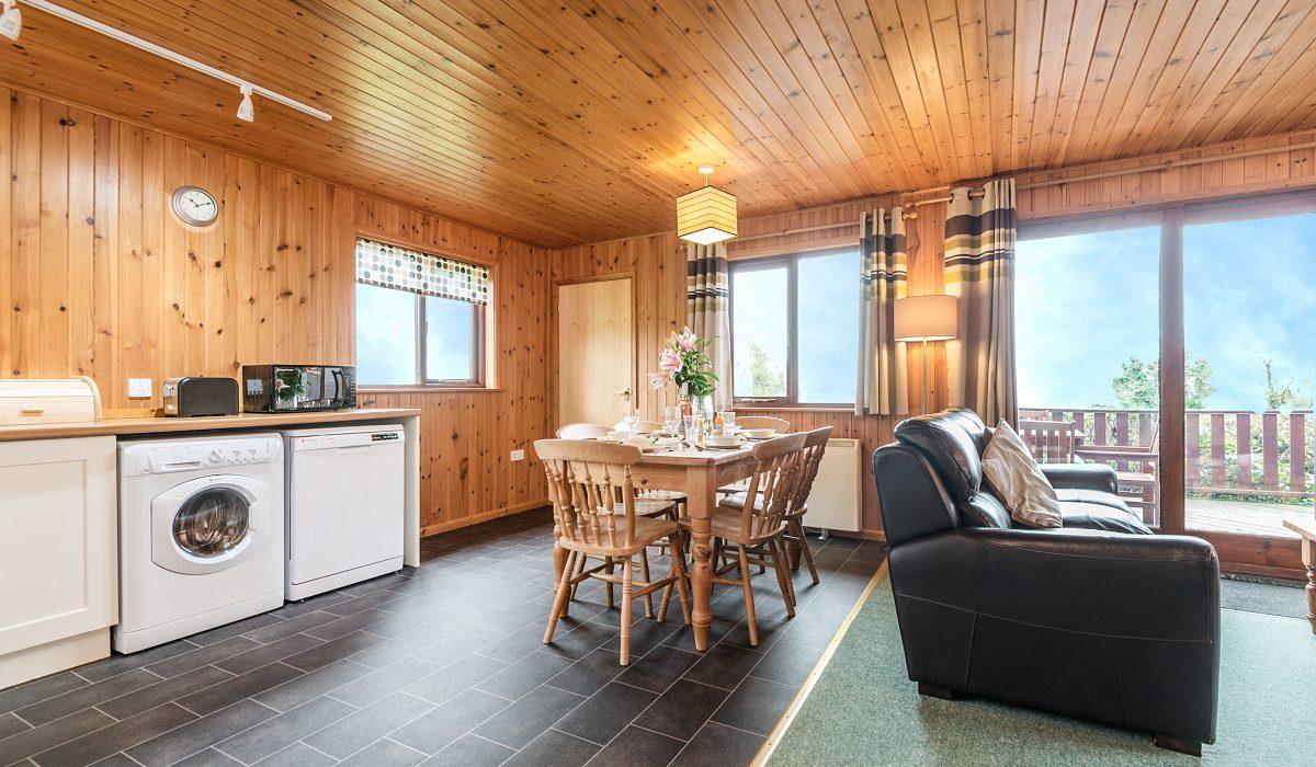 E31 Tamarisk - Living Dining & Kitchen 1