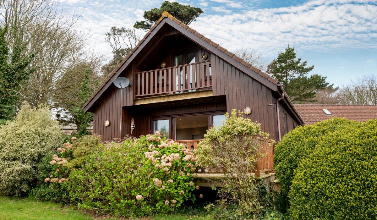 Lodge E41 – Walnut Tree