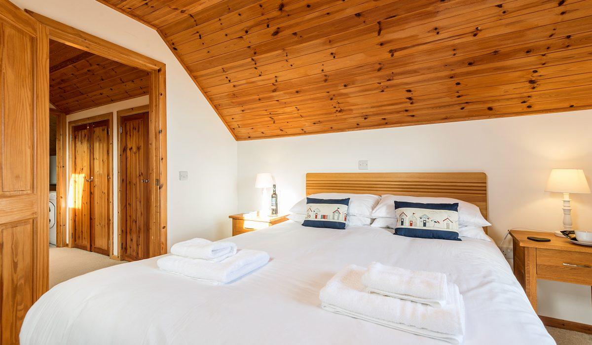 E53 Hirondelle - Master Bedroom 2