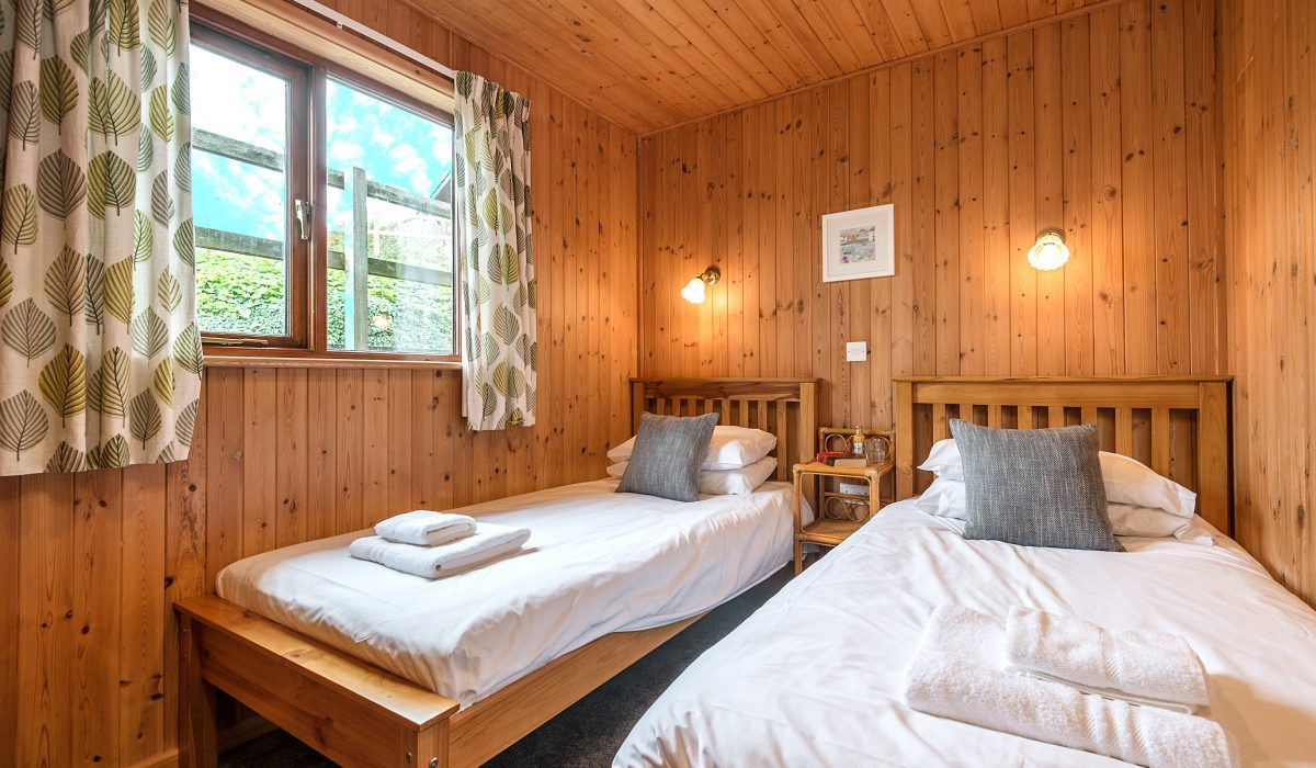E20 Buzzard - Twin Bedroom 1