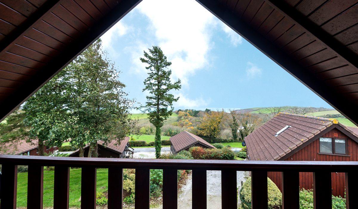 E22 Puffin - Master Bedroom Balcony View