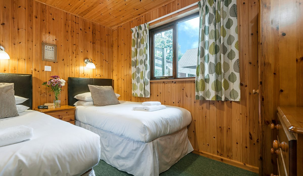 E22 Puffin - Twin Bedroom 3