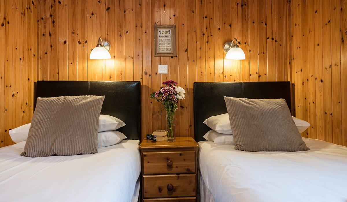 E22 Puffin - Twin Bedroom 4