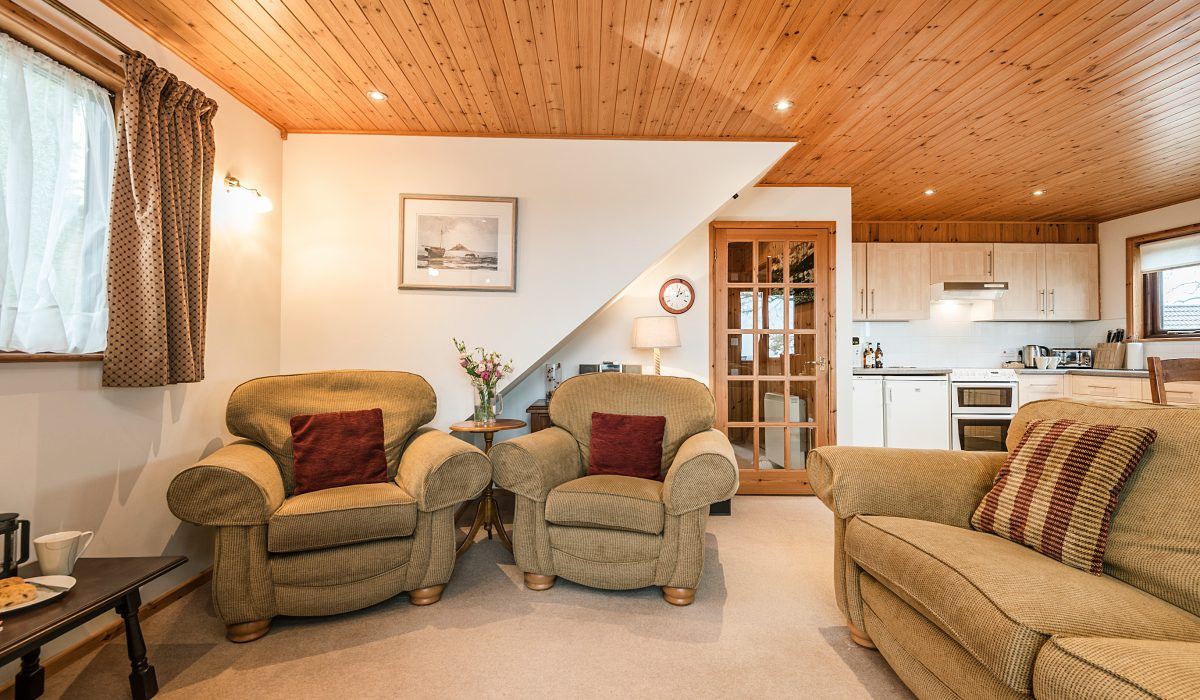 E26 Trelissick - Living Area 2