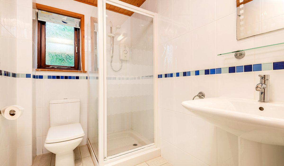 E29 Lawnside - Downstairs Bathroom 1