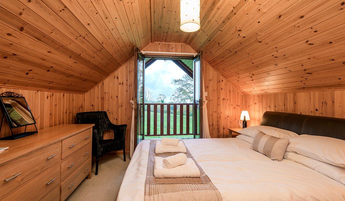 E29 Lawnside - Master Bedroom 1