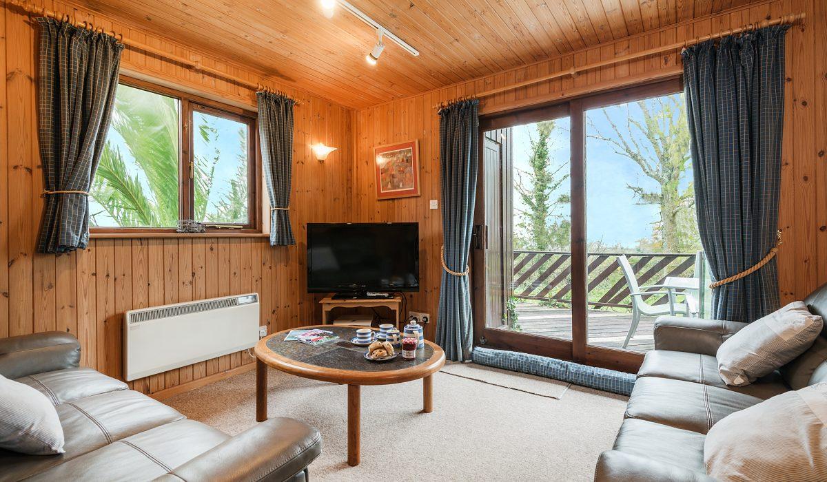 E47 Capstan - Living Area