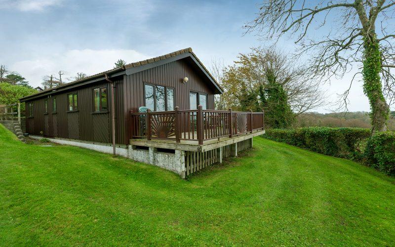 Lodge L12 - Treloar